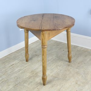 19th Century Ash and Pine Cricket Table with Turned Legs